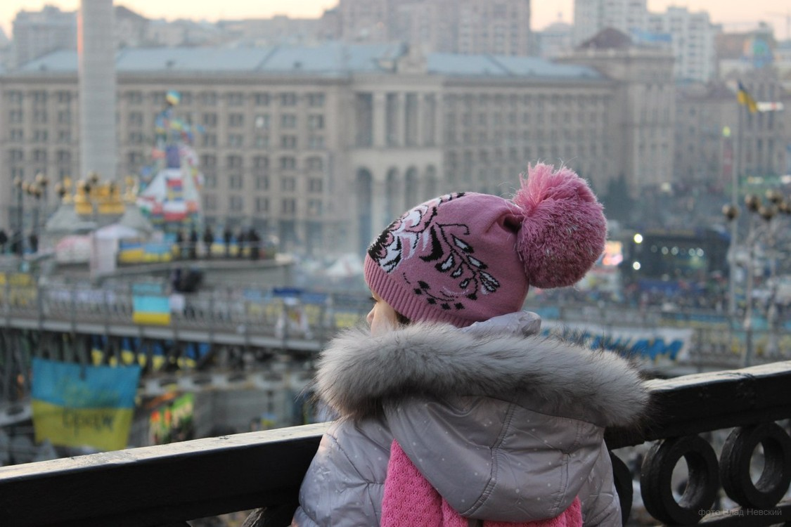 ребенок на Майдане, во время революции